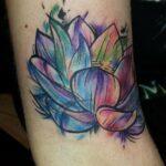 tatuagem-flor-de-lotus-aquarela