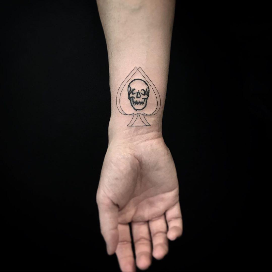 Signification Des Tatouages As De Pique Blendup