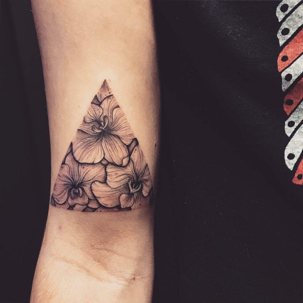 Tattoo bedeutung dreieck doppeltes Geschwister Tattoo
